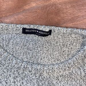 Brandy Melville lightweight sweater